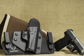 Best Concealed Carry Cross Draw Holster (5 Top Hands Up!)